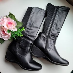 👠 Wedge Heeled Boots